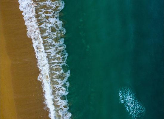 vue du ciel mer et sable